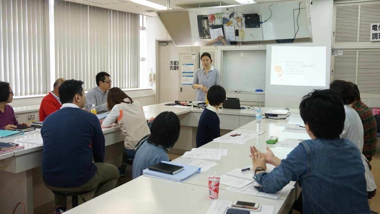 株式会社ORIGINESSの事業内容|研修講師業務